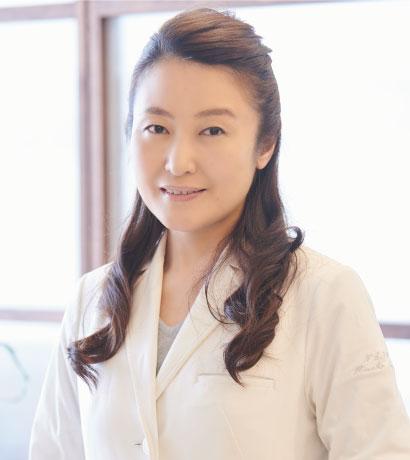 日本皮膚科学会認定 皮膚科専門医 副院長 斎藤美菜子